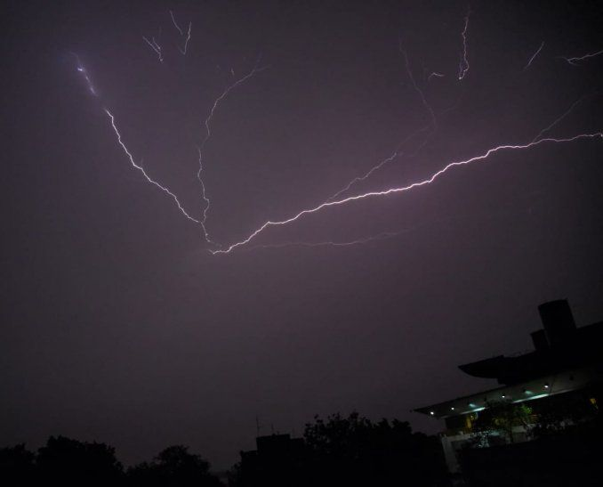 Meteorología emite alerta de tormentas para 11 departamentos.