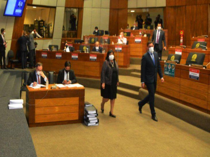 Segura. Teresa Martínez se defendió ayer de los cuestionamientos que le realizaron principalmente los diputados cartistas.