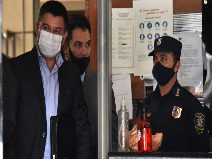 Grave. Mario Vega (izq) había denunciado pedidos insistentes de varios políticos  desde el inicio de su mandato en el Indert.