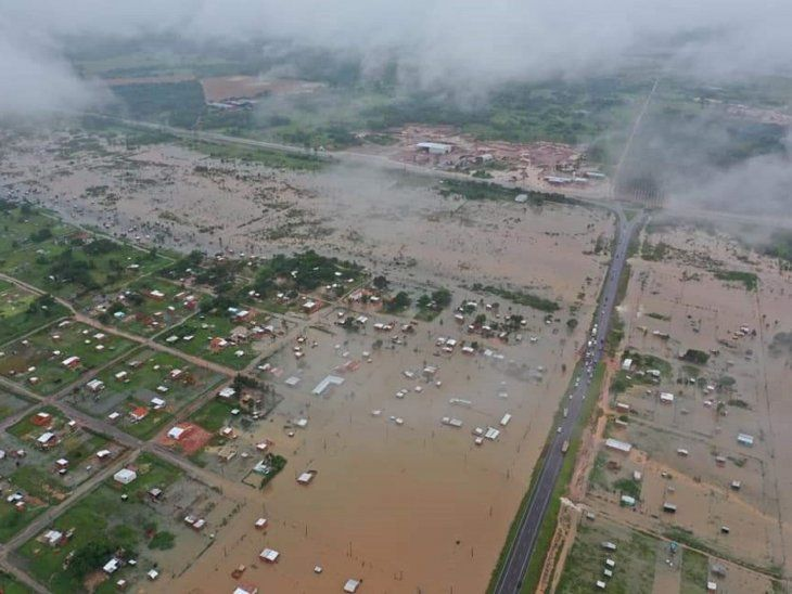 Cuestionan a inmobiliaria por vender terrenos en zona de inundación.