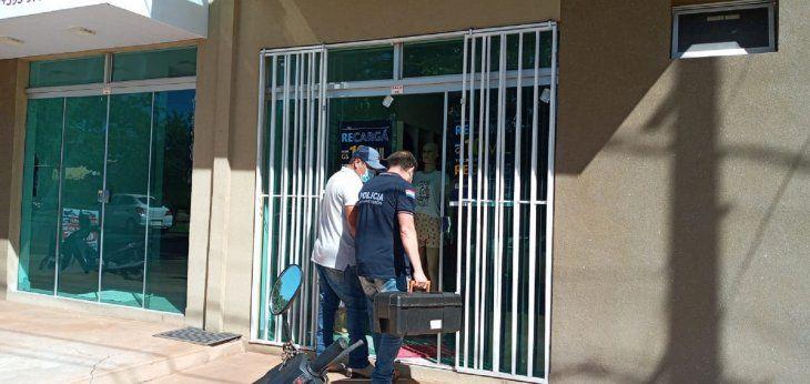 El intento de feminicidio se registró este jueves en una tienda de ropa en Pedro Juan Caballero (Amambay).
