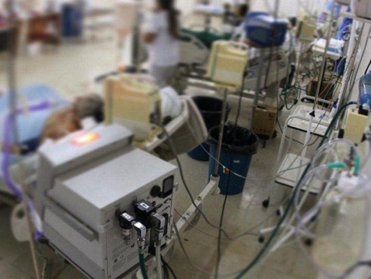 Alarma. Los números del Covid van subiendo en el país, las salas de internación están al tope y hay preocupación de médicos.