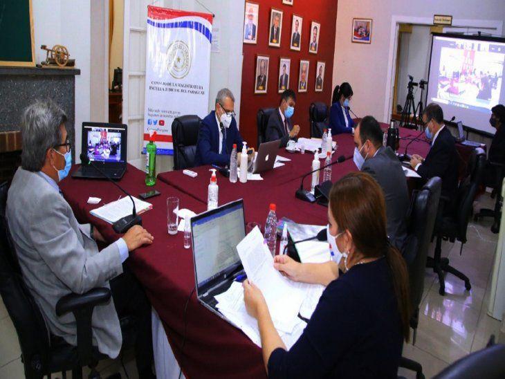 Sesión. Los miembros del Consejo de la Magistratura en sesión ordinaria el día de ayer.