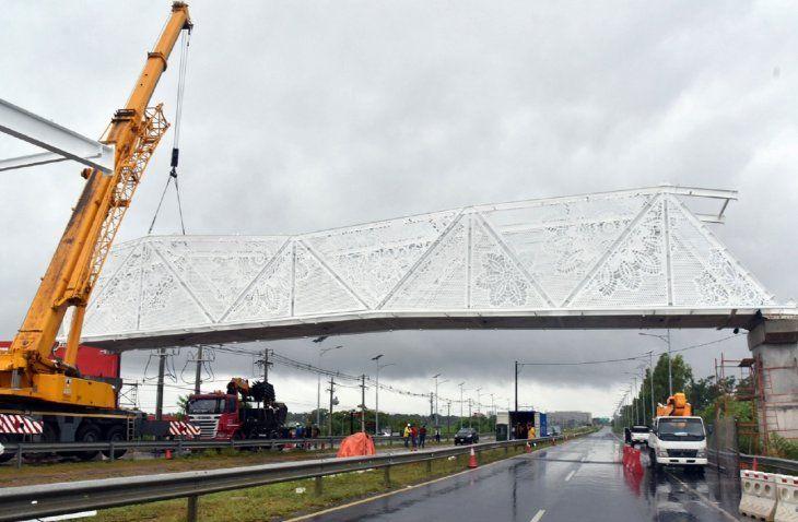 El MOPC reconoce irregularidades en la construcción de la pasarela de ñanduti.