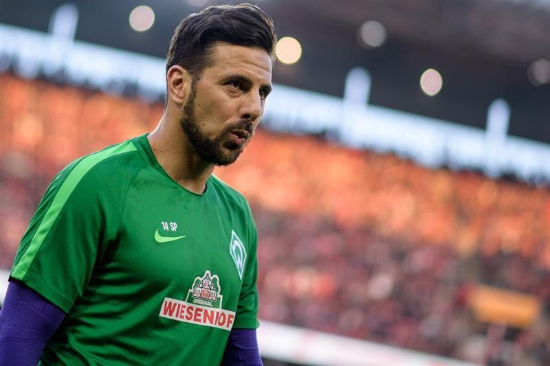 Claudio Pizarro ficha por quinta vez por el Werder Bremen. Foto: EFE