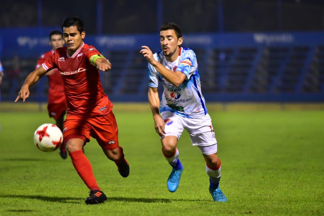Fernando de la Mora derrotó a Iteño. Foto: Fernando Calistro