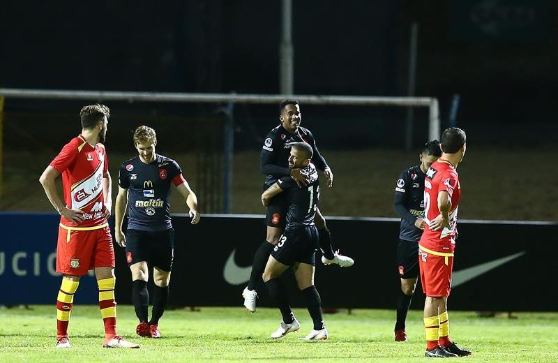 Caracas avanza y deja a Perú sin clubes en copas internacionales. Foto: EFE