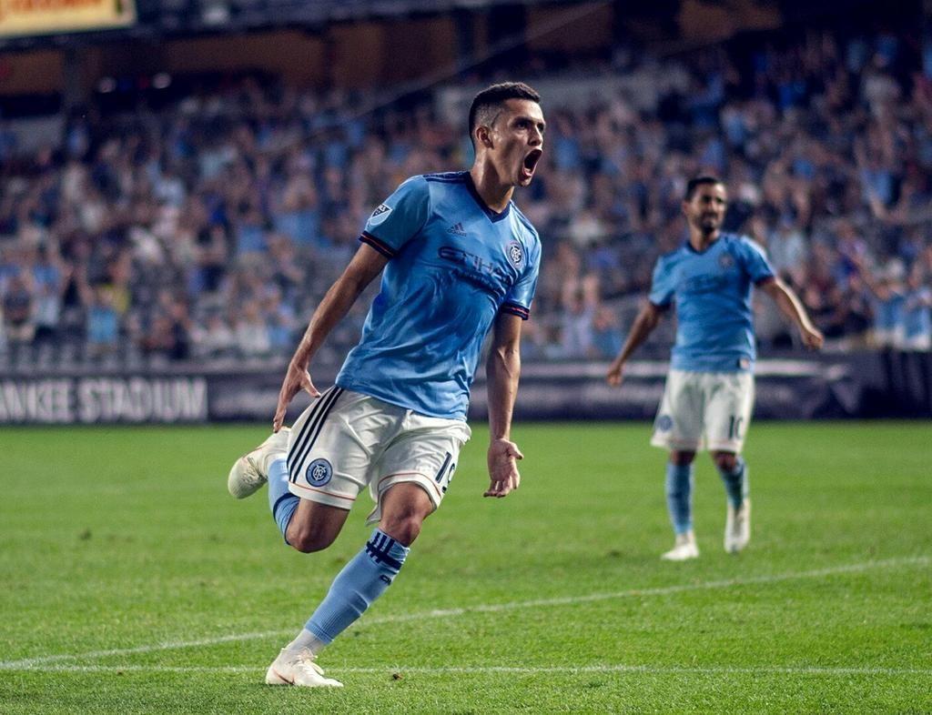 El paraguayo Jesús Medina festeja su gol. Foto: Gentileza