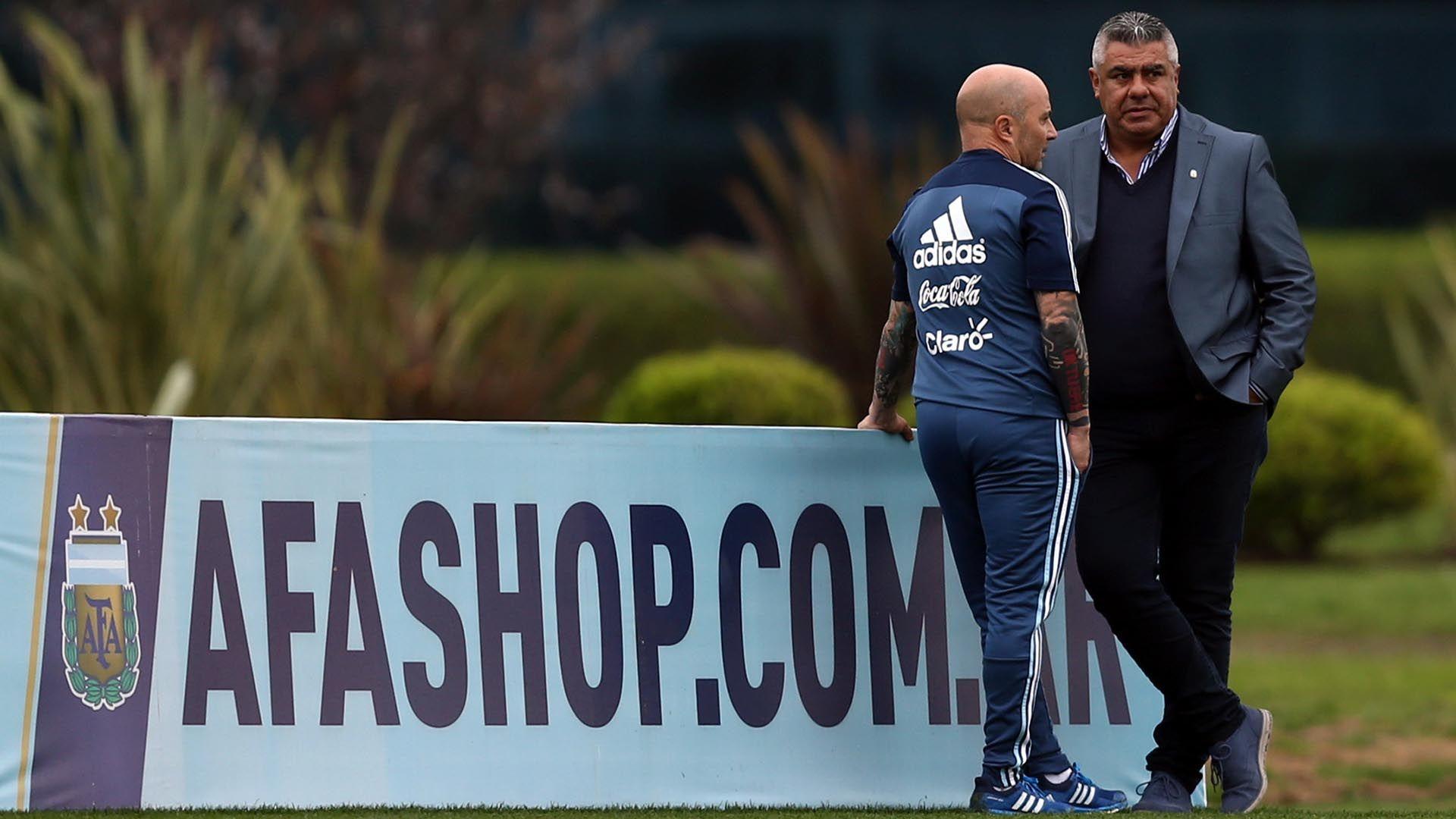 Tapia dice que Sampaoli tiene contrato.
