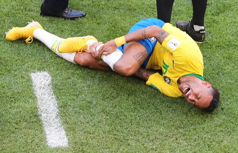 Neymar Challenge es la sensación del momento. Foto: Captura.