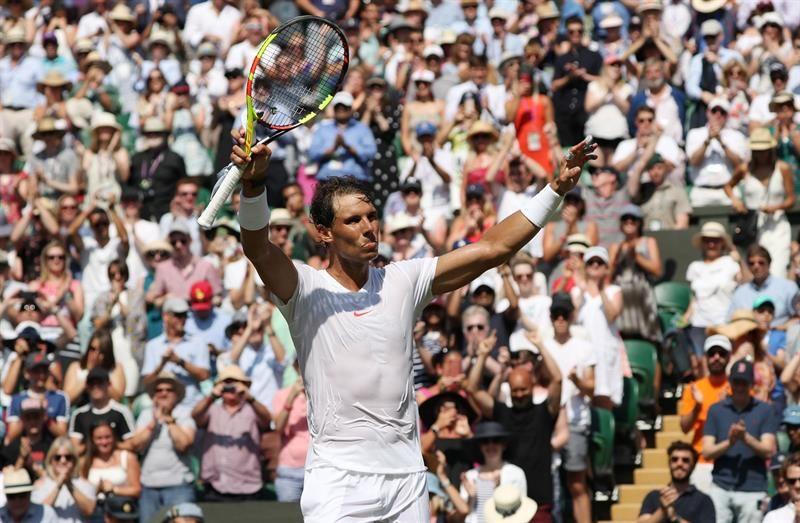 Nadal se instaló en los octavos de final de Wimbledon. Foto: EFE