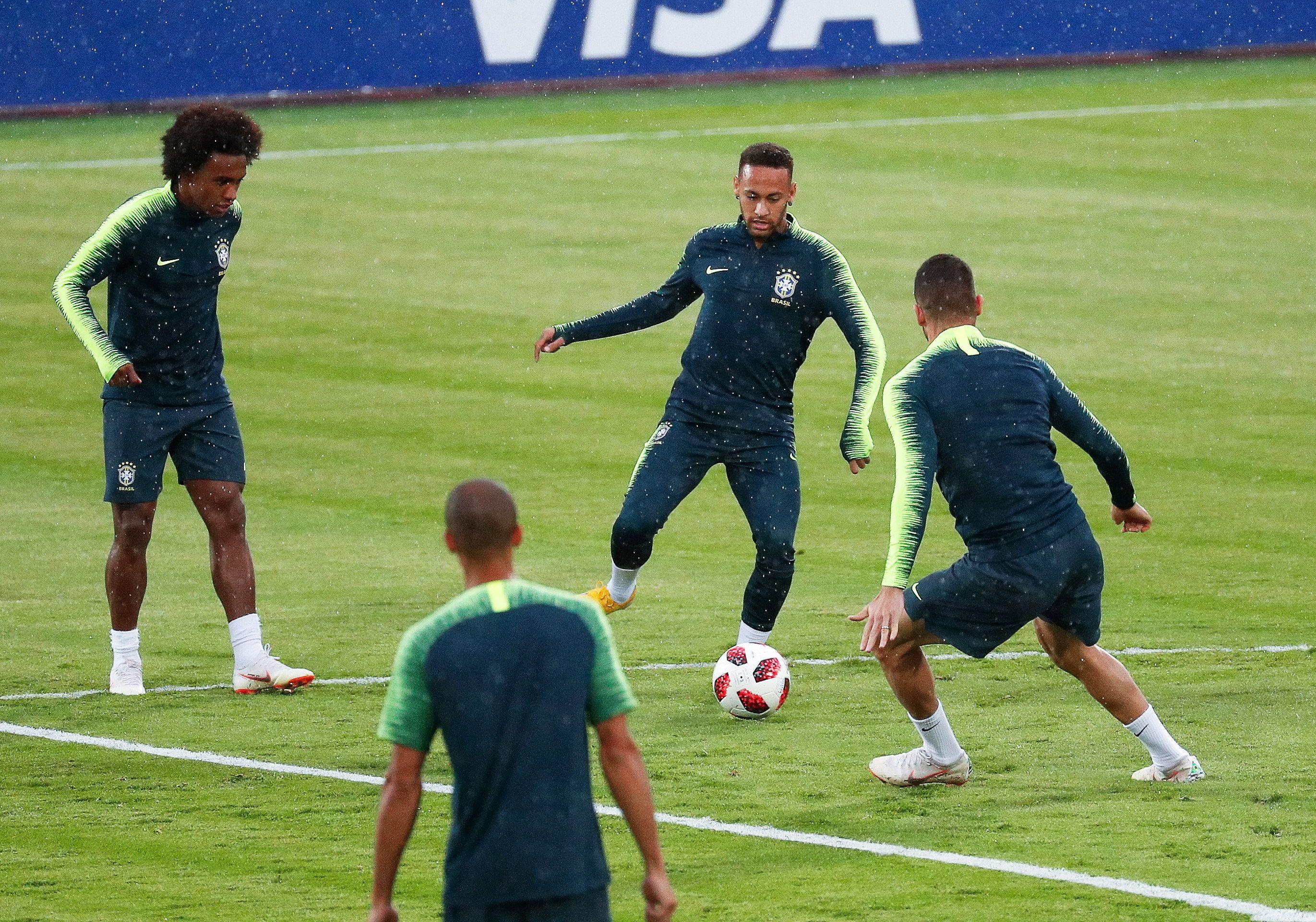 Jugadores de Brasil durante un entrenamiento de la selección. Foto: EFE