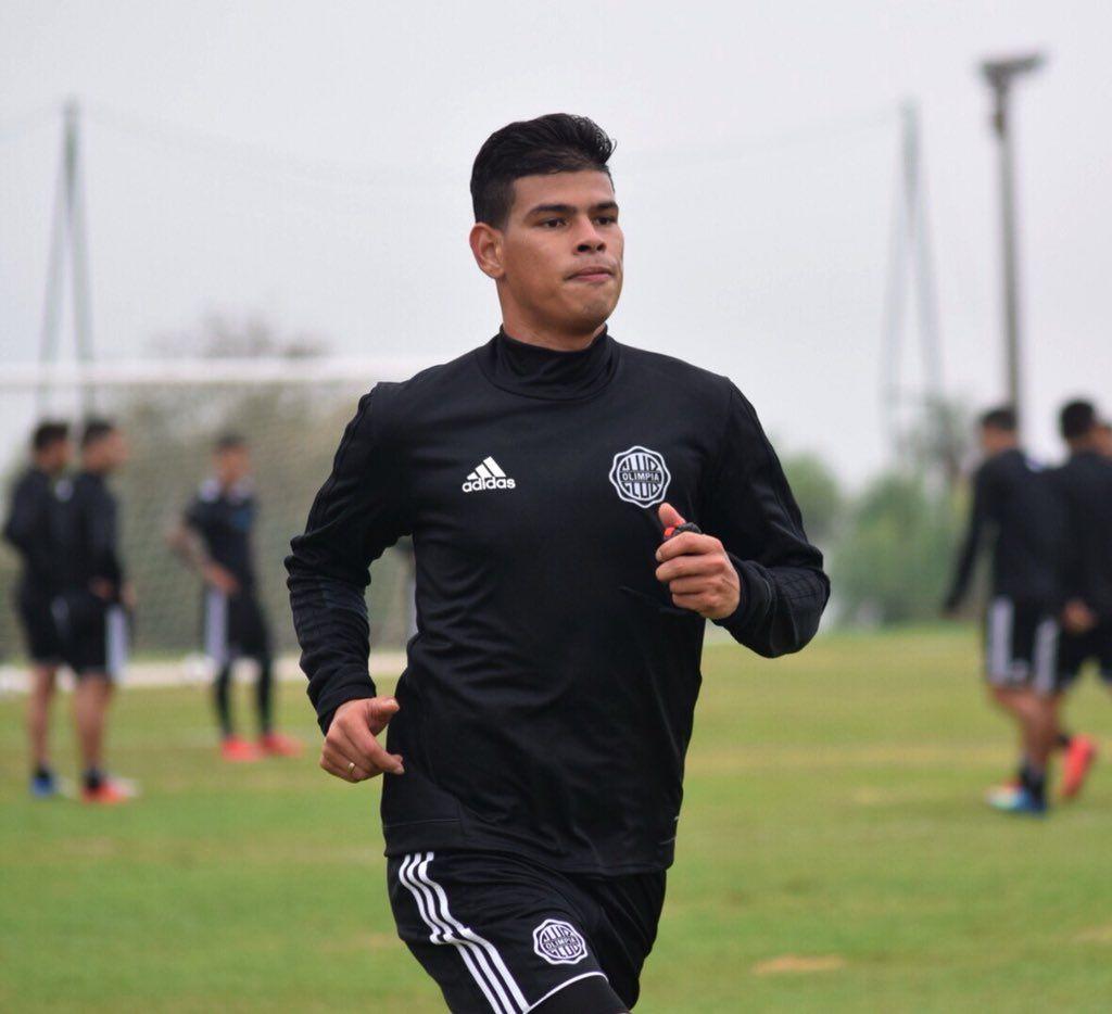 Jorge Arias ya entrena a la par de sus compañeros. Foto: Prensa Club Olimpia