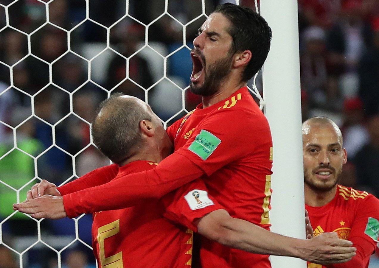 España clasificó a octavos de final del Mundial. Foto: EFE