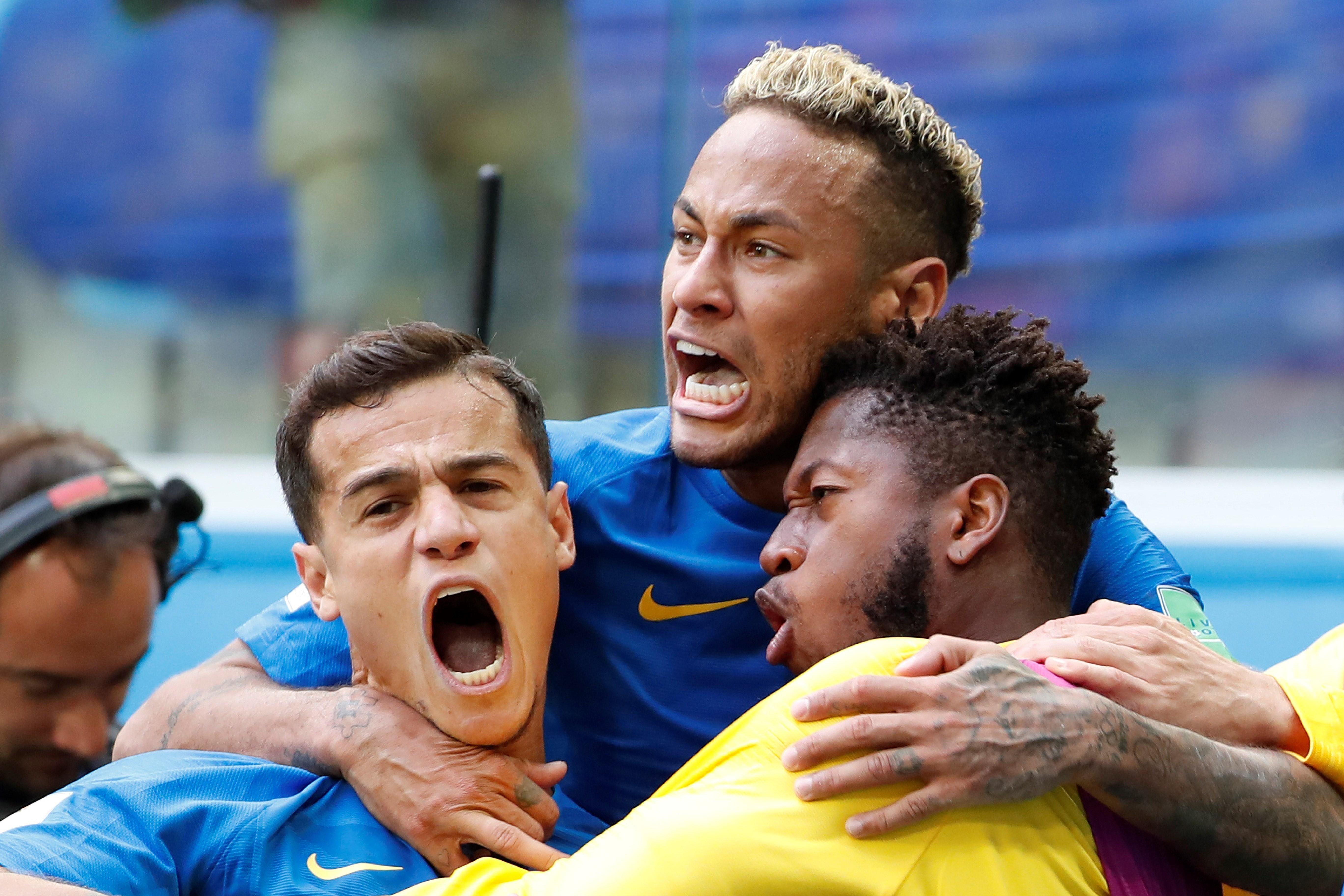 Neymar celebra con sus compañeros un gol frente a Costa Rica. Foto: EFE