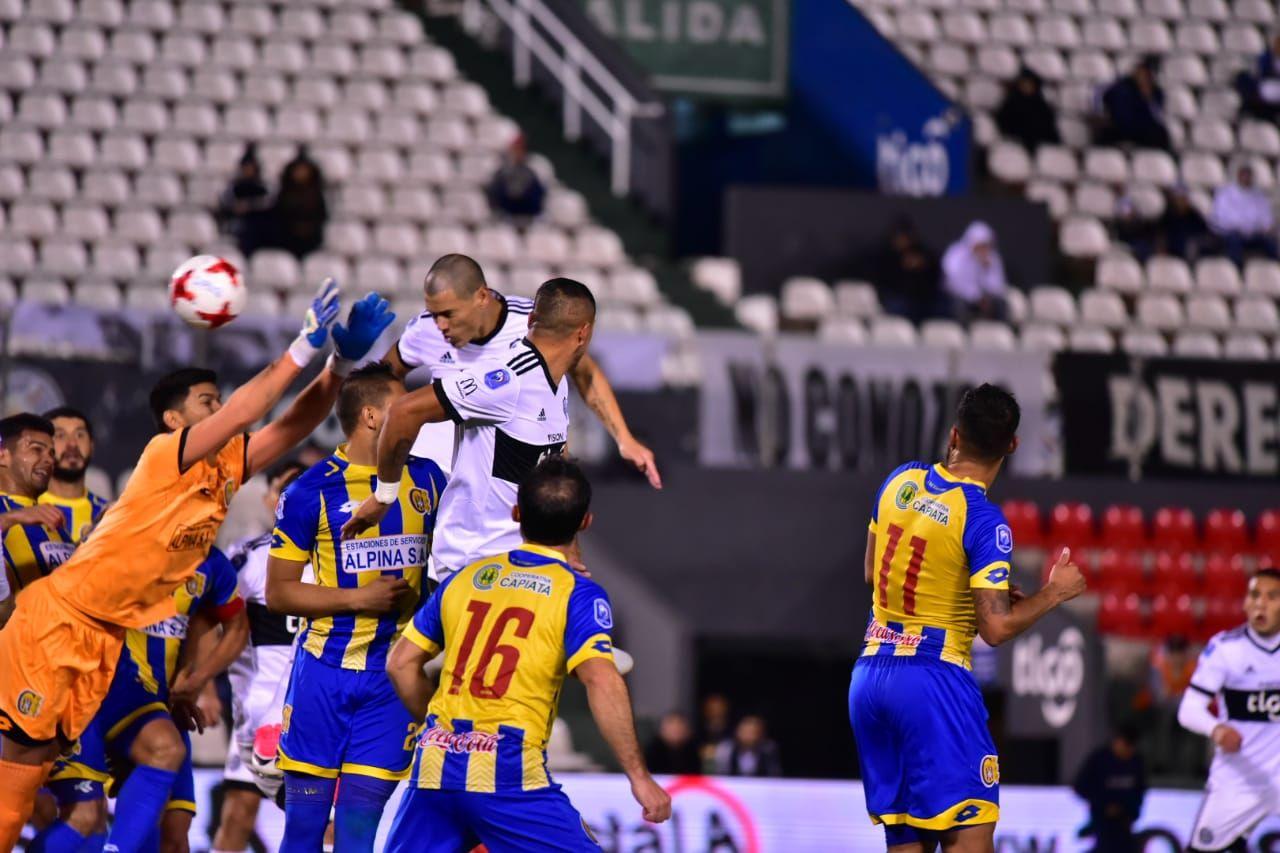 Capiatá aprovecha el relajo del campeón y se lleva un valioso punto. Foto: Fernando Calistro