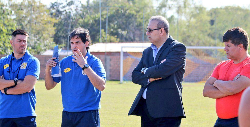 Gavilán fue presentado en el Escobero. Foto: Prensa Deportivo Capiatá