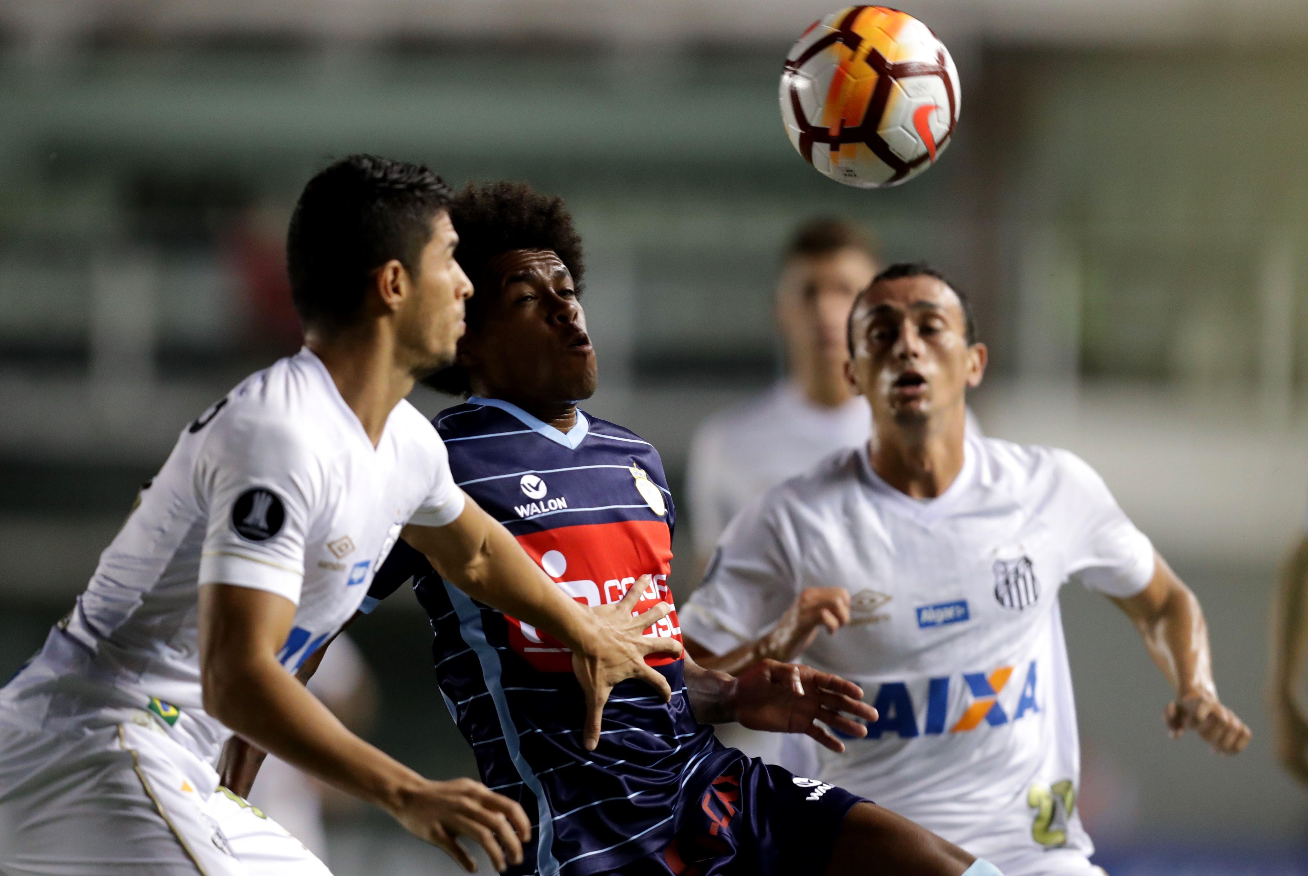 Paridad sin goles entres Santos y Garcilaso. Foto: EFE