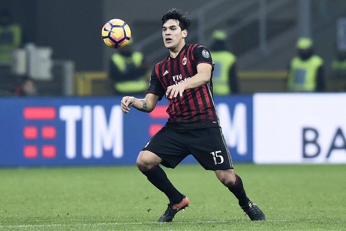 Gustavo Gómez no tuvo minutos en Milan en el último semestre.