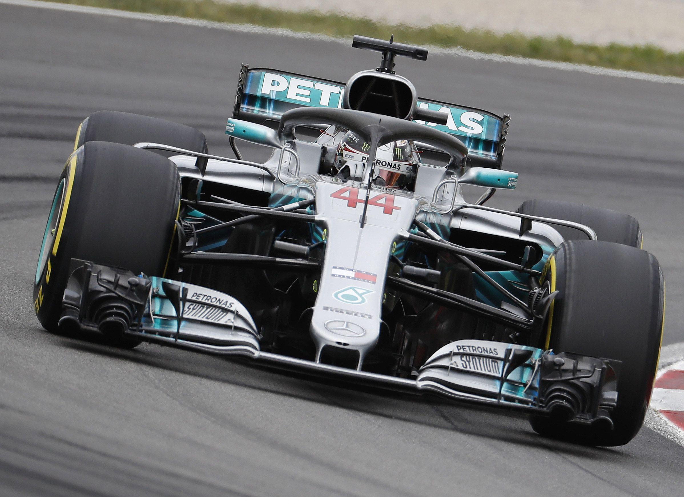 Hamilton se hace con la pole