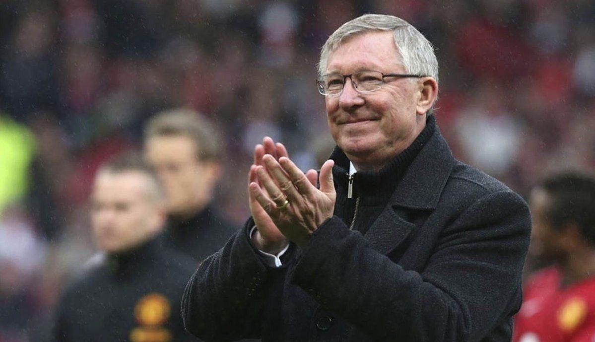 Sir Alex Ferguson sale cuidados intensivos después de cuatro días.