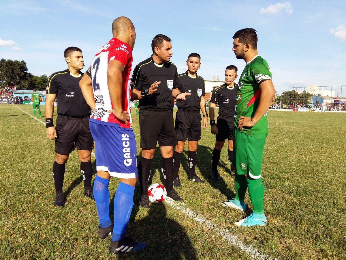 Caaguazú se quedó con el clásico del quinto departamento. Foto:@futbolovetense