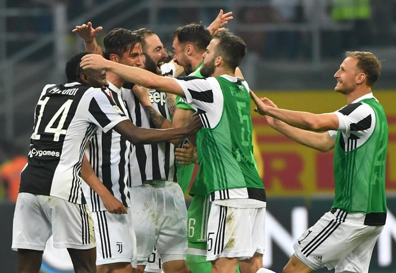 Higuaín se viste de héroe y mantiene líder a Juventus