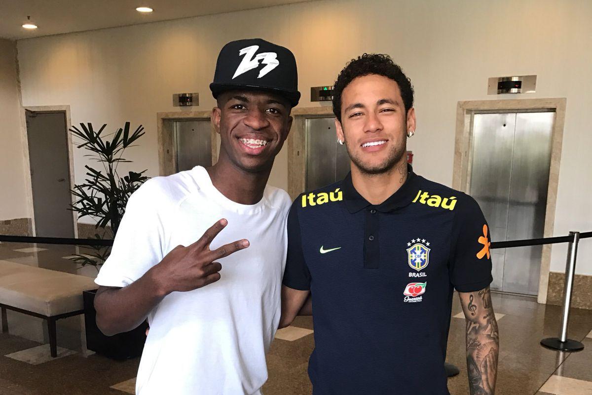 Vinicius y Neymar compartiendo en la concentración de la Canarinha. Foto: Archivo