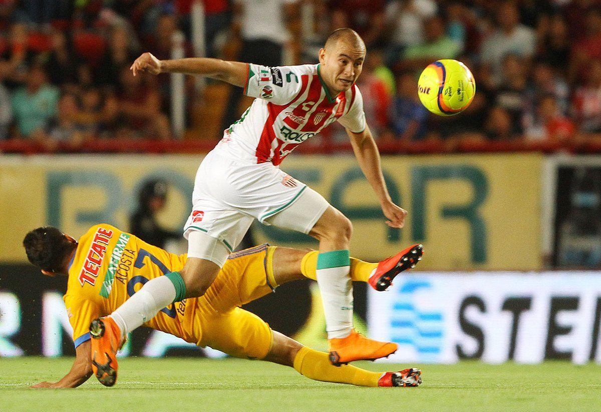 El paraguayo Carlos González anota en el empate del Necaxa. Foto: Gentileza