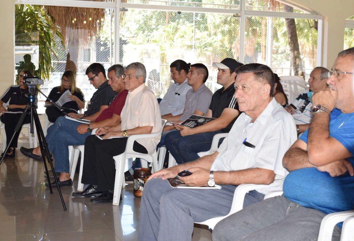 Socios de Olimpia participan de la Asamblea Ordinaria. Foto:@elClubOlimpia