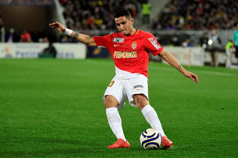 El Mónaco no puede con el Rennes y compromete su segundo puesto. Foto: EFE