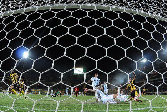 Peñarol recibe a Tucumán en el Campeón del Siglo. Foto: @OficialCAP