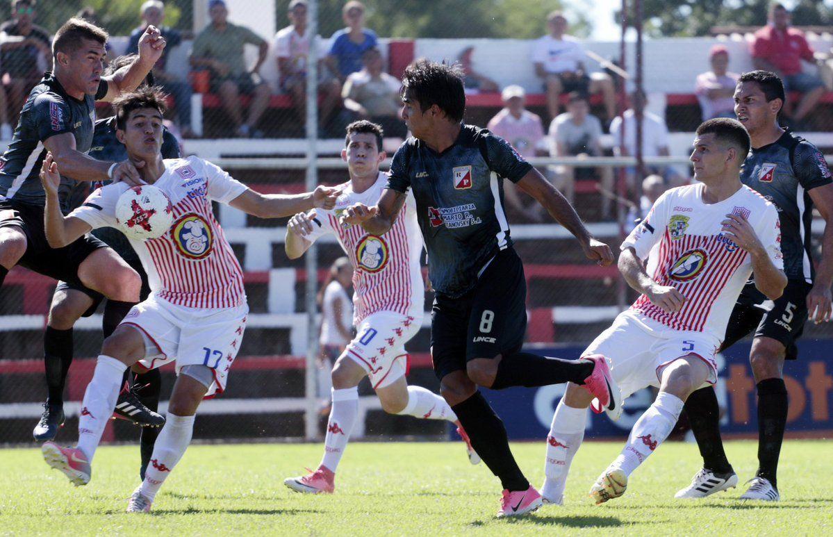 San Lorenzo y River empataron 2-2 en el Gunther Vogel. Foto: @AscensoAPF