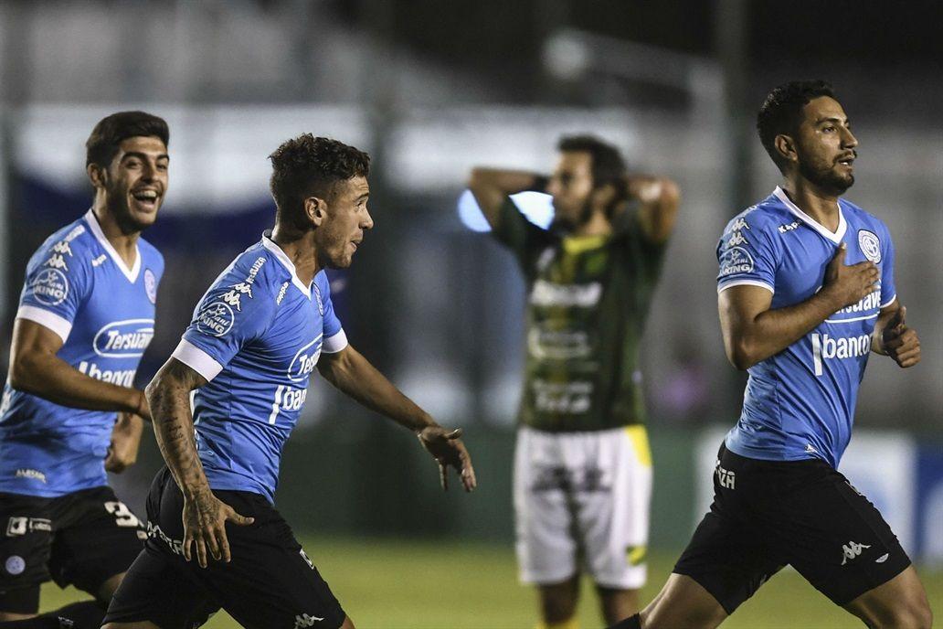 Epifanio García (d) puso a Belgrano en zona de Copa Sudamericana 2019. Foto: La Nación (Ar)