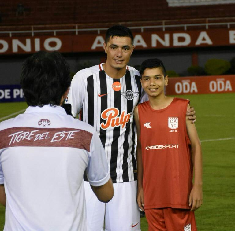 Iván Cardozo (d) junto a su padre. Foto: Sergio Daniel Riveros