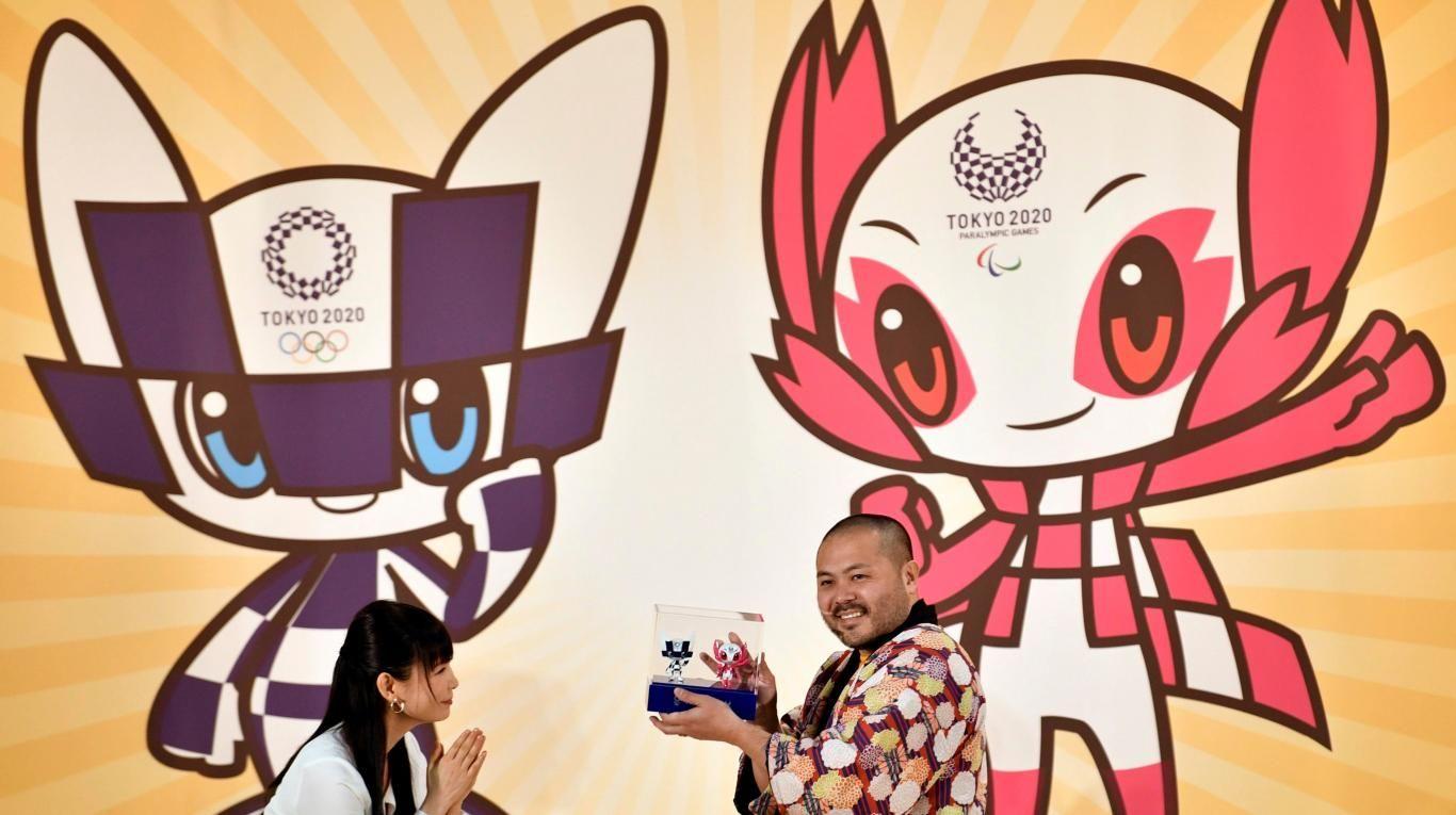 Los escolares nipones eligen dos mascotas futuristas para Tokio 2020.