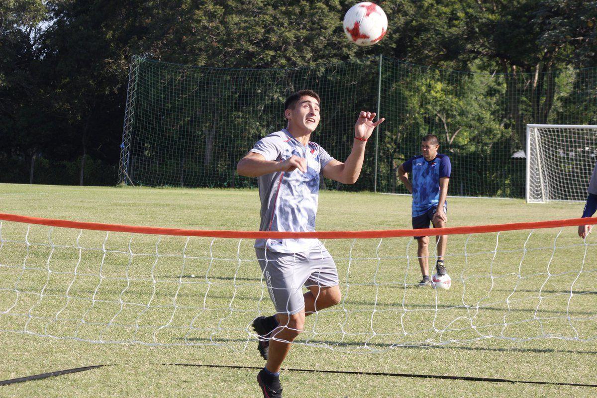 Cardozo entrena en la Academia. Foto: Prensa Club Nacional