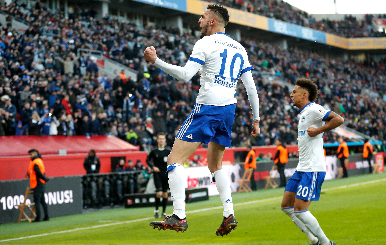 Schalke ganó y alcanzó provisoriamente la línea del Dortmund. Foto: EFE