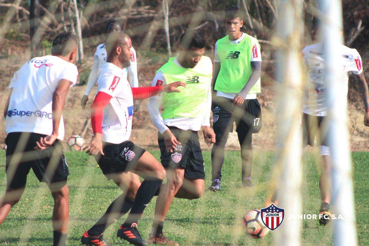 El cuadro colombiano viene confiado para el juego con Guaraní. Foto: @JuniorClubSA