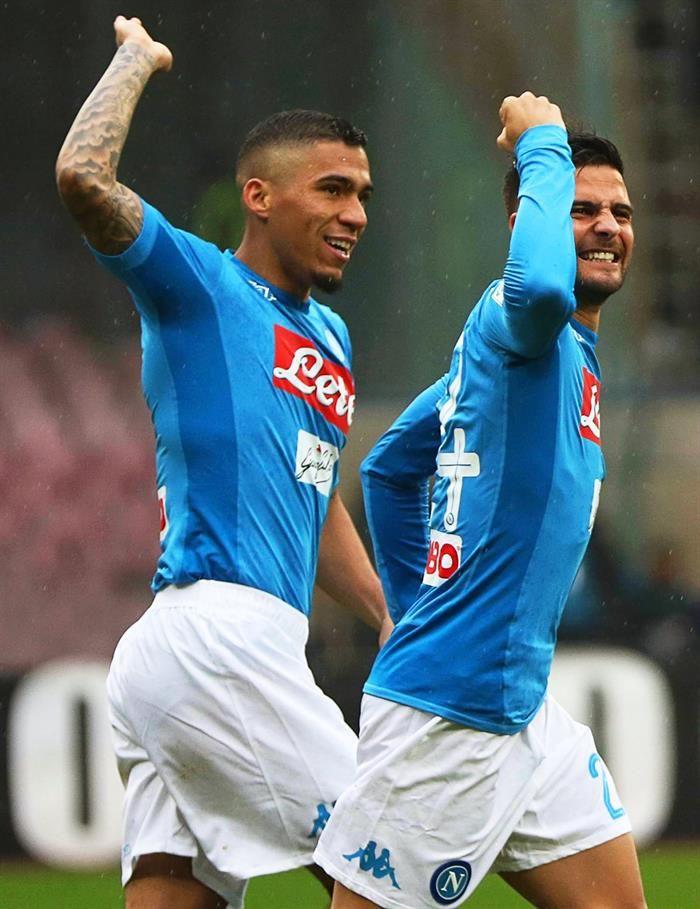 Napoli no falla y prolonga el pulso por el título con la Juventus. Foto: EFE