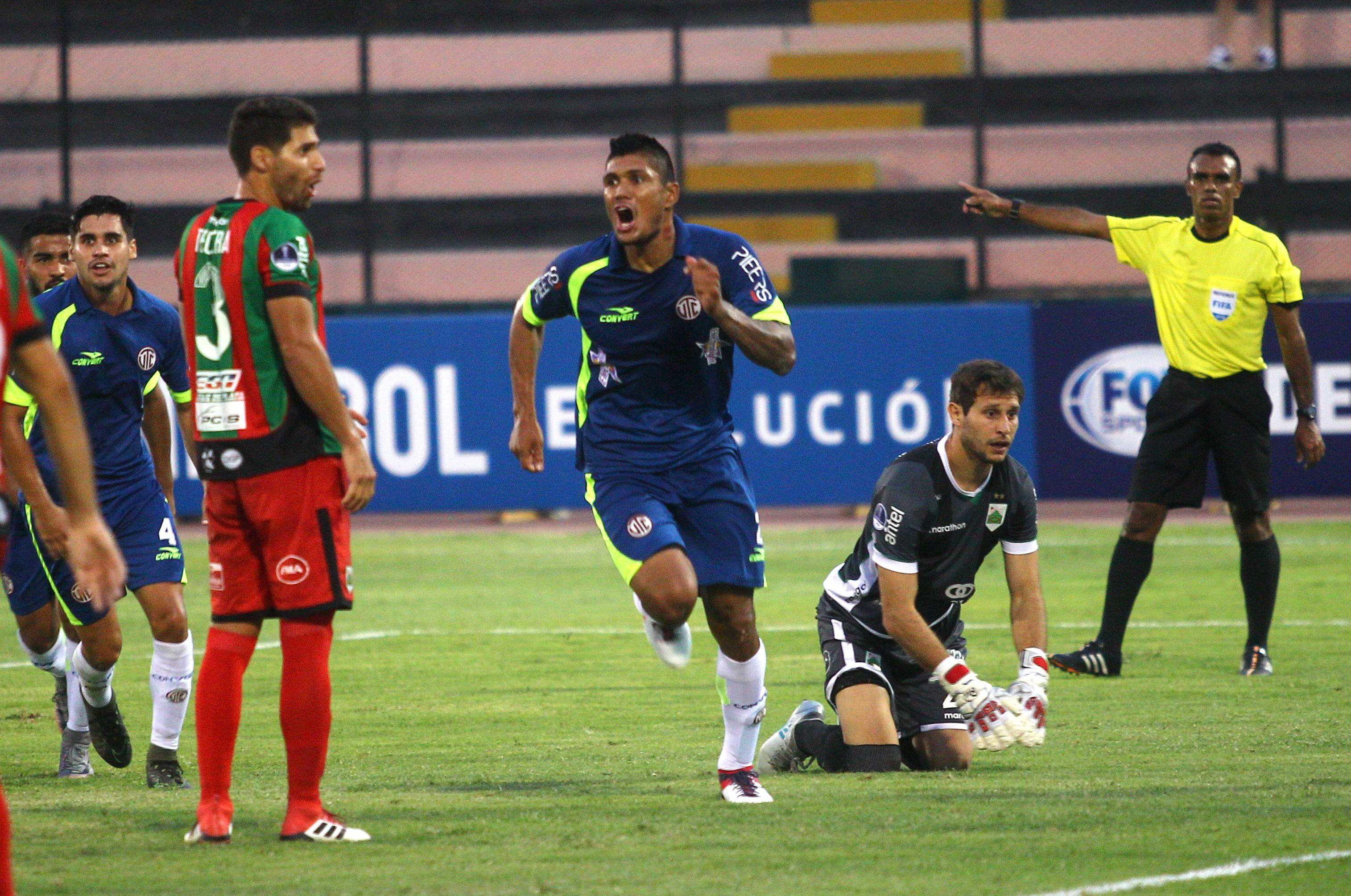 La UTC triunfó en su debut en Sudamericana. Foto: EFE