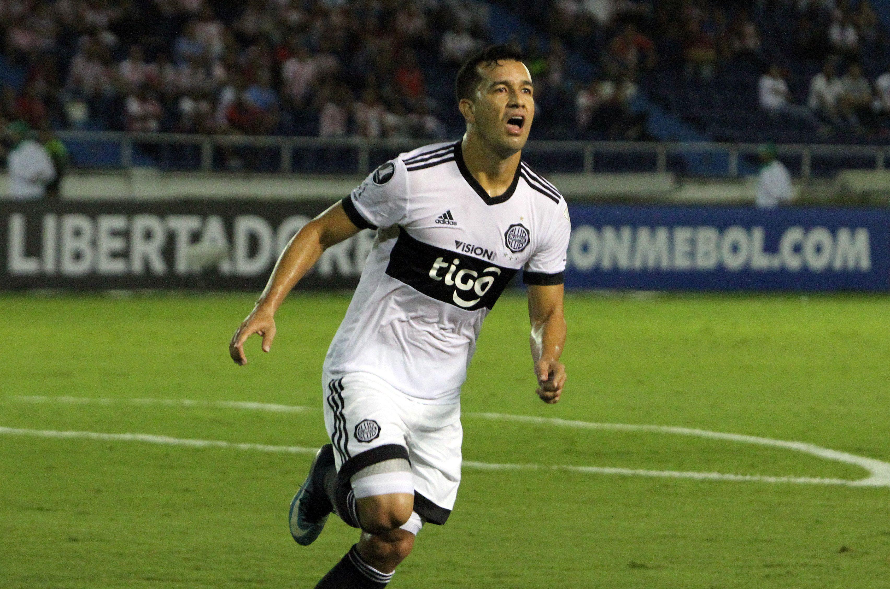 Camacho anotó el gol de Olimpia en Colombia. Foto: EFE