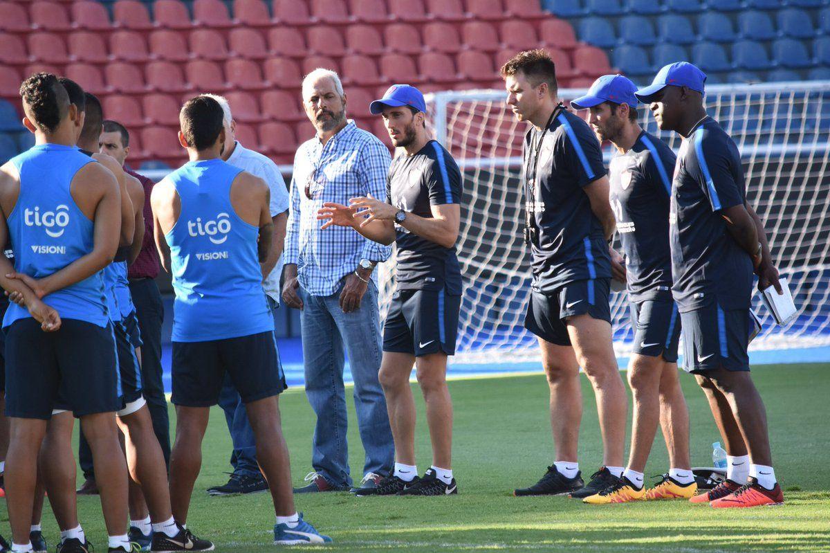 El primer entrenamiento de Zubeldía. Foto: Prensa Cerro Porteño