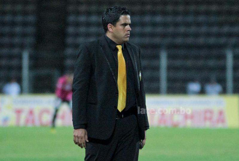 Daniel Farías deja de ser técnico del The Strongest boliviano. Foto:http://www.late.com.bo