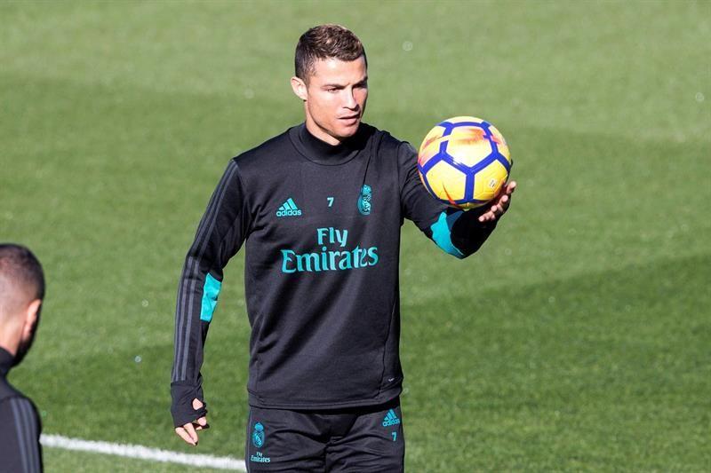 Ronaldo durante el entrenamiento realizado en la Ciudad Deportiva de Valdebebas. Foto: EFE