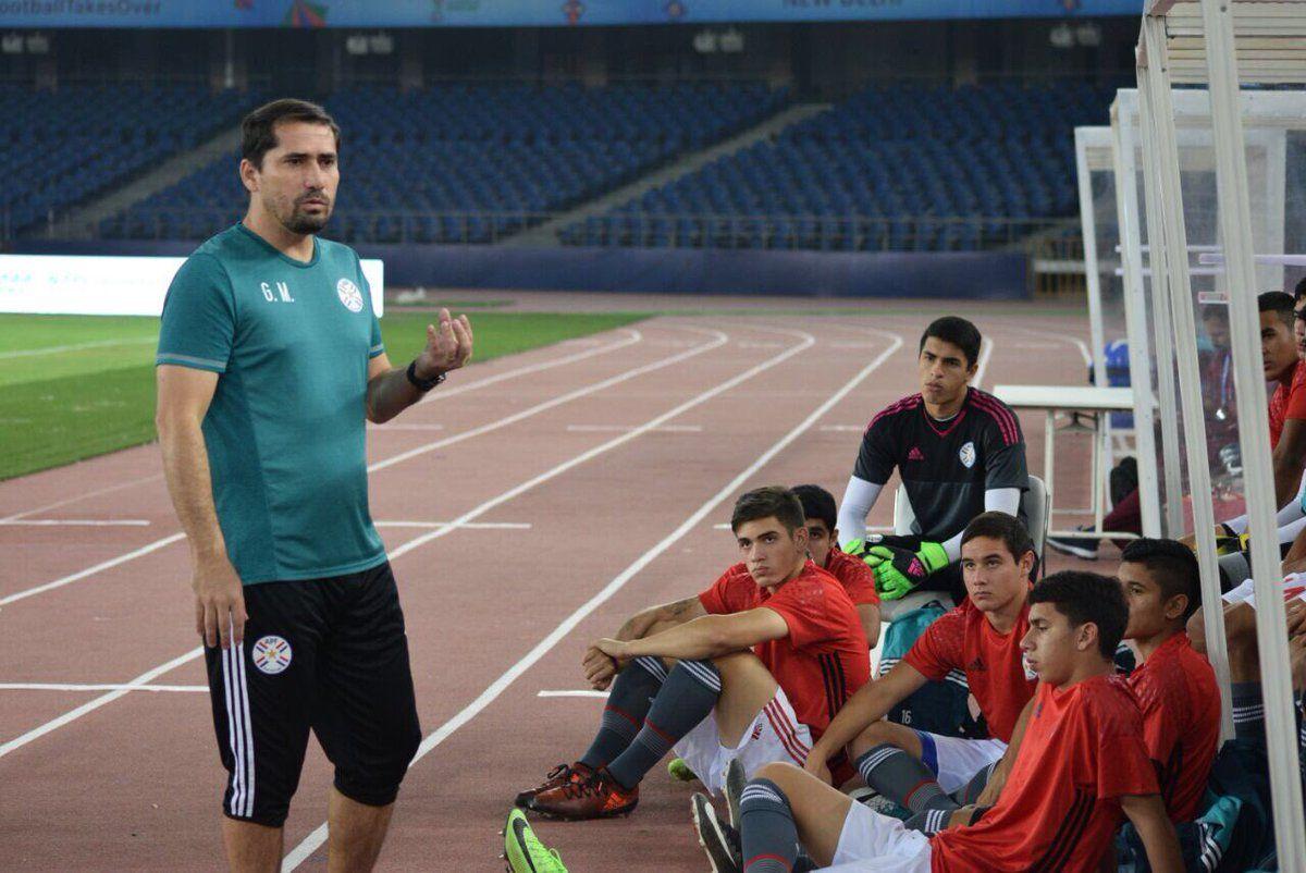 Gustavo Morínigo prepara el equipo para buscar el pase a cuartos. Foto: Prensa Albirroja