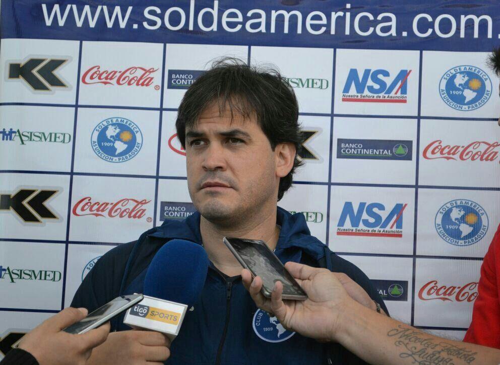Gavilán fue presentado. Foto: Prensa Sol de América.