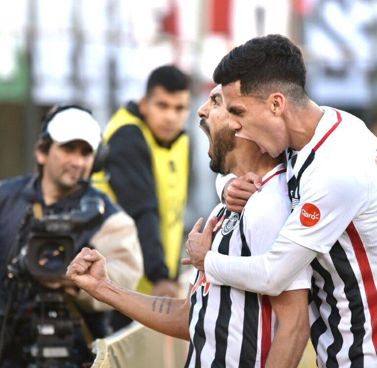 Salcedo grita uno de sus tantos goles. Foto: Última Hora