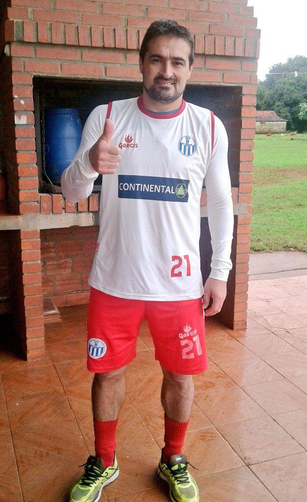 Roberto Acuña es nuevo jugador de 22 de Setiembre. Foto:@22deSet_Prensa