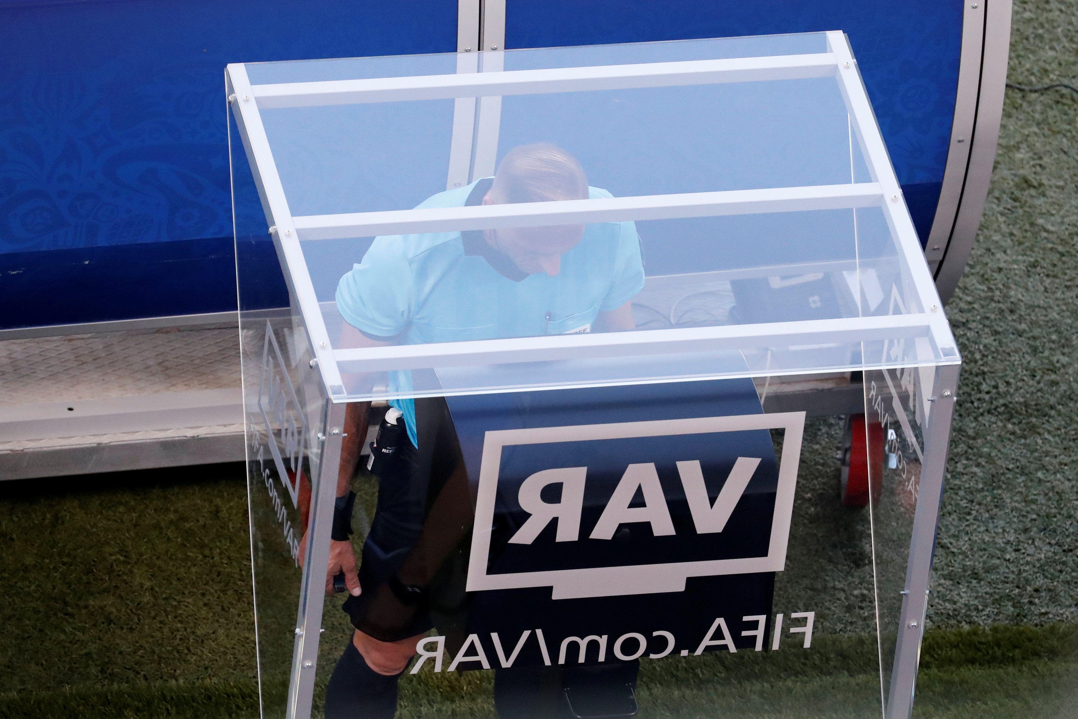 El VAR se usó en 440 ocasiones y acabó con los goles en fuera de juego